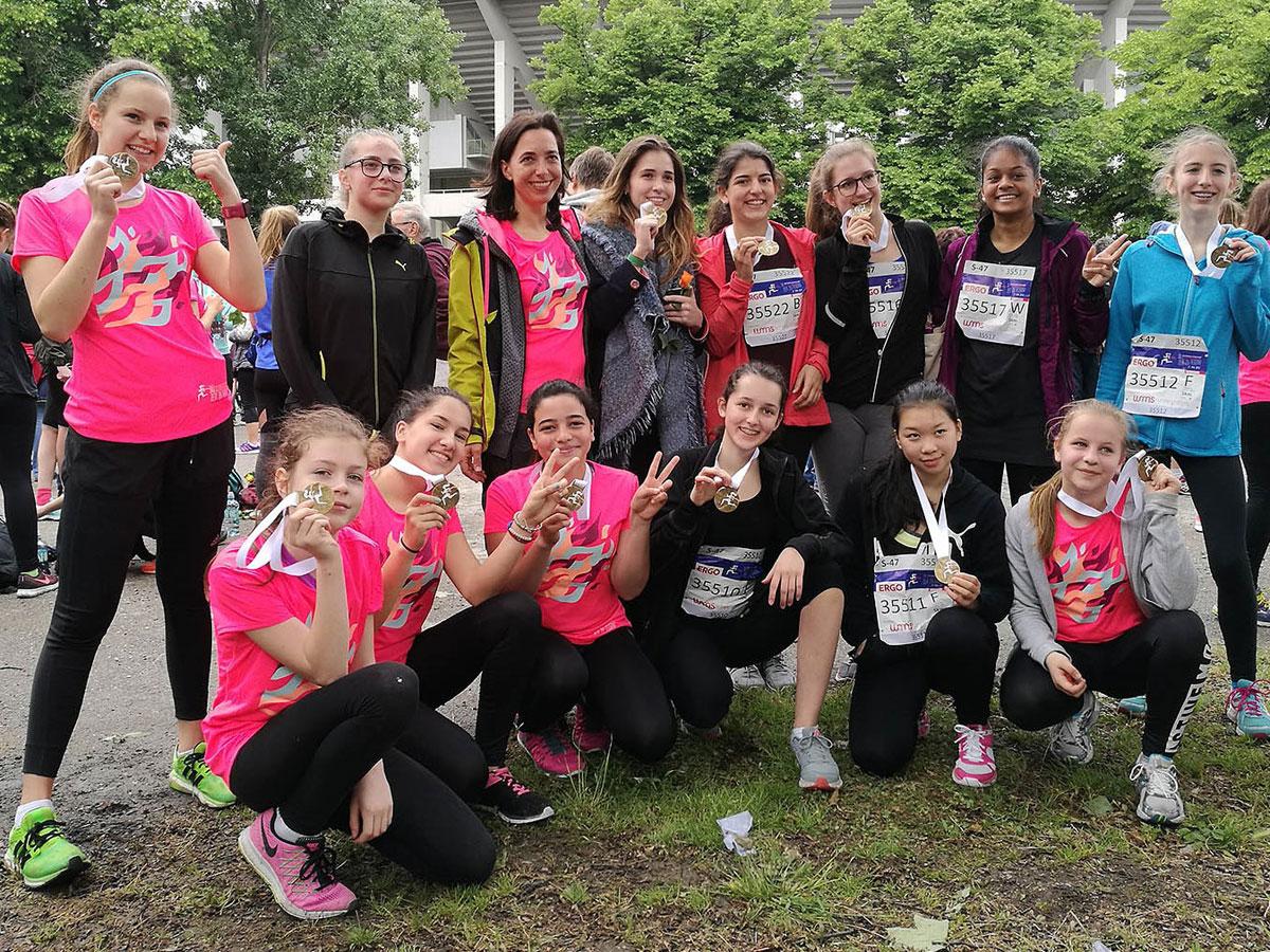 31 Friesgassen-Ladys beim Frauenlauf 2017