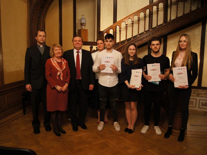 Russisch-Landeswettbewerb: 2. Platz für die Friesgasse