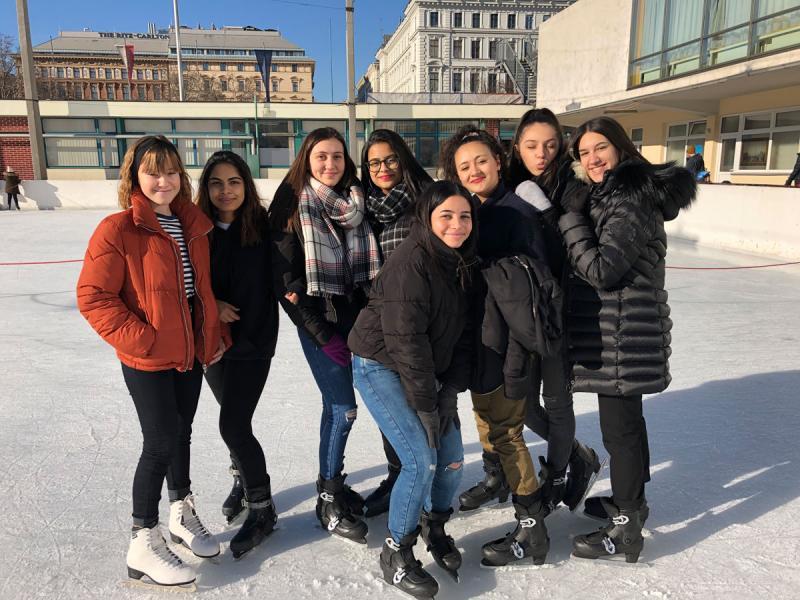 6. Klassen am Eislaufplatz