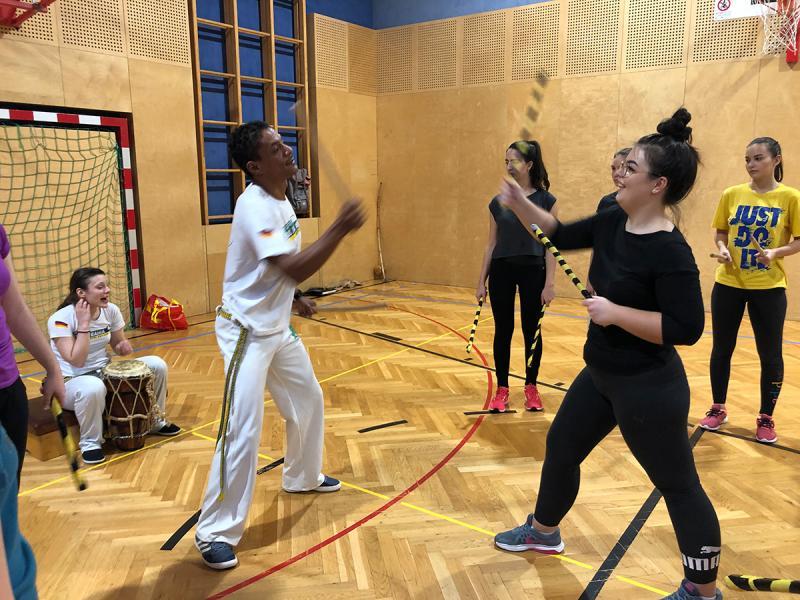 Rhythmus und Akrobatik im Sportunterricht